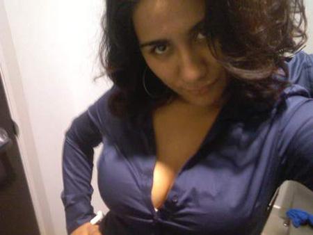 Belle jeune femme sur Toulouse cherche rdv chaud avec homme cple ou femme