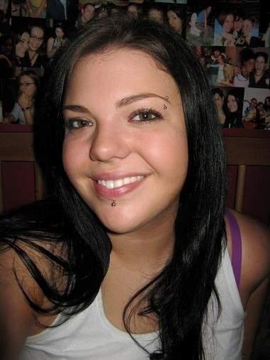 Femme sexy 25 ans Laval recherche Jeune homme 18 à 25 ans