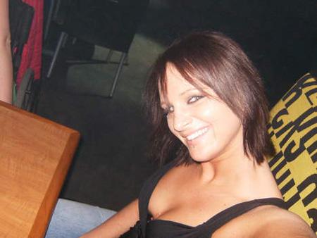 Jeune femme 23ans recherche de nouveaux plaisirs sur Bordeaux